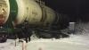 Мужчина выжил, когда поезд протаранил его автомобиль