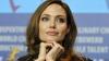 Анджелина Джоли продала картину кисти Уинстона Черчилля, купленную Бредом Питтом