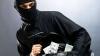 В Штефан-Водском районе испуганная хозяйка дома дала отпор грабителю (ВИДЕО)