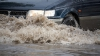 Горячая вода из лопнувшей трубы залила столичный Московский проспект