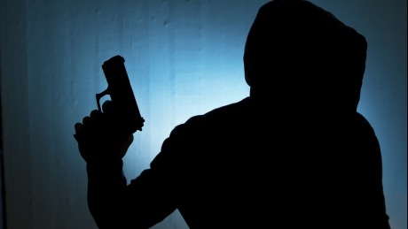 Полиция задержала троих грабителей автозаправок в Кишиневе и Страшенах
