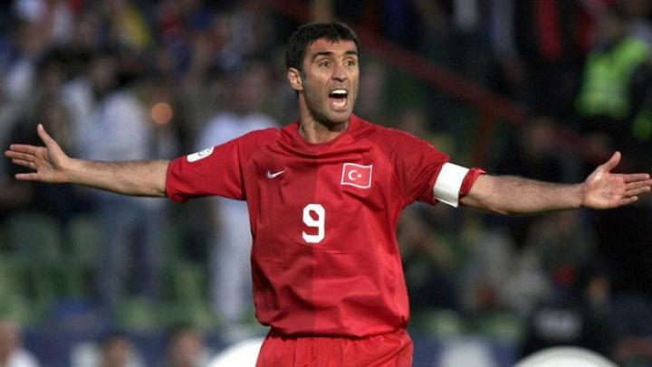 Экс-футболисту сборной Турции грозит тюремный срок за оскорбление Эрдогана