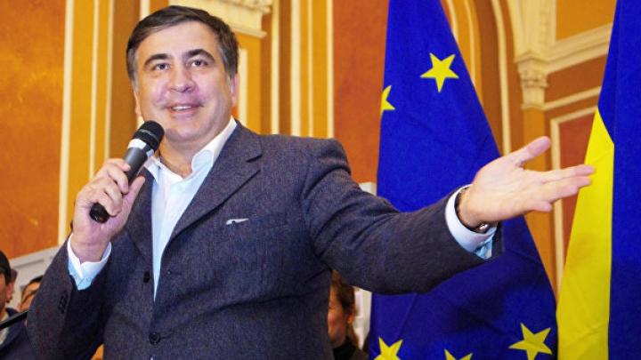 Саакашвили выступил за проведение досрочных парламентских выборов на Украине