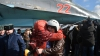 Вернувшихся из Сирии российских летчиков встретили родственники