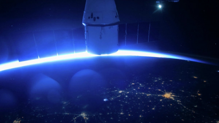 Запуск космического грузовика Dragon к МКС отложили до апреля