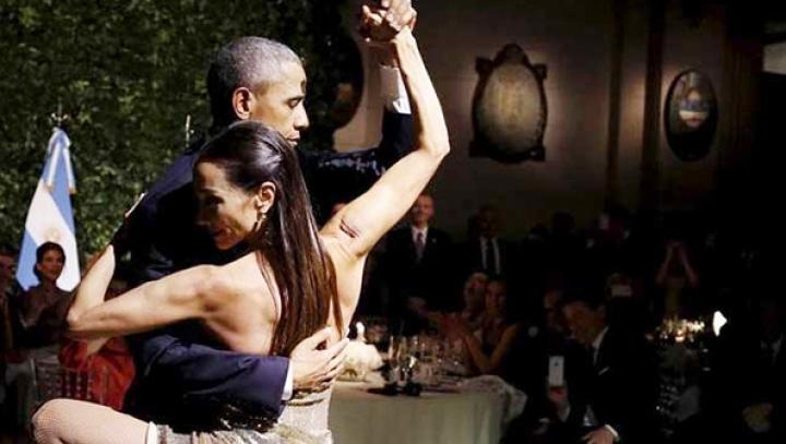 Барак Обама станцевал страстное танго с профессиональной танцовщицей