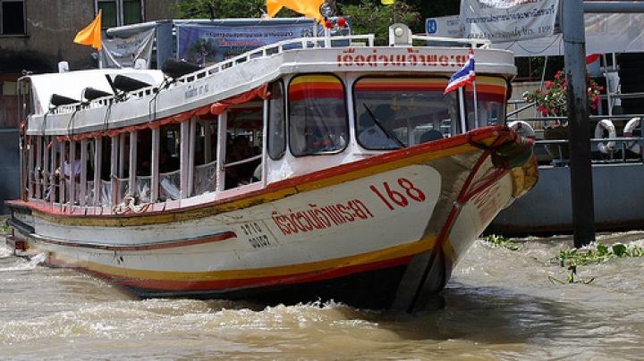 60 человек пострадали при взрыве на речном трамвае в Бангкоке