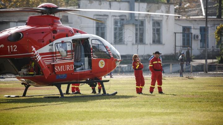 Вертолет SMURD доставил жительницу Молдовы с инсультом в Яссы (ВИДЕО)