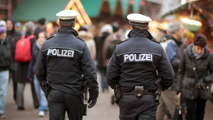 В Германии после нападения на сотрудников полиции задержаны 80 человек