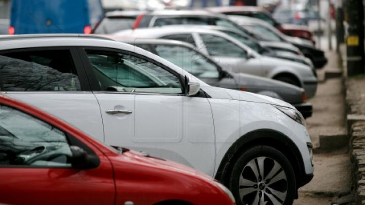 План по реинтеграции: власти собираются открыть дополнительные офисы регистрации машин с нейтральными номерами