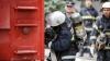 Двое кишиневских пожарных пострадали, спасая инвалида из огня