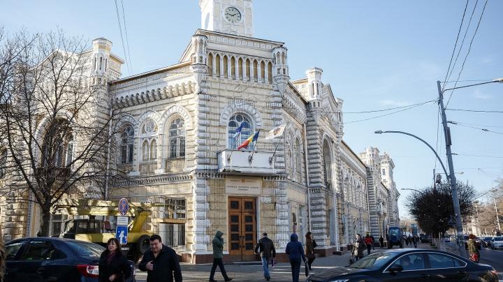 На мэрию Кишинева грозят наложить штраф, если река Бык не будет очищена