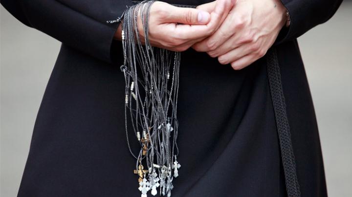 Хотела развестись: В Подмосковье священник зарезал свою жену