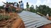 15 человек стали жертвами оползня на западе Уганды