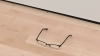 Оставленные подростком очки в музее спутали с арт-объектом