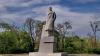Самого большого Ленина Одессы сносят по закону о декоммунизации (ФОТО)