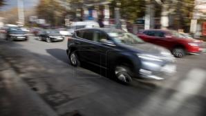 Водитель Porsche пренебрег правилами дорожного движения (ВИДЕО)