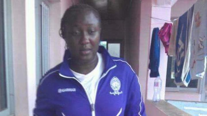 Вратарь женского футбольного клуба из Камеруна умерла, потеряв сознание на разминке