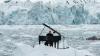 Композитор сыграл на рояле в Северном Ледовитом океане (ВИДЕО)