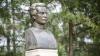 Скульптурную композицию, посвященную Думитру Матковскому, открыли на родине поэта (ФОТО)