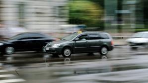 Момент проезда на красный сигнал светофора попал на видео