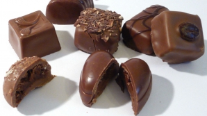 Столичный житель купил конфеты с неприятной начинкой (ФОТО)