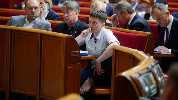 Надежда Савченко сравнила Украину с гранатой