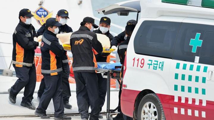 Выпрыгнувший из окна южнокорейский студент насмерть придавил прохожего