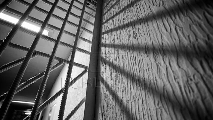 Брат Андрея Нэстасе обещает пересмотреть дела заключенных 13-й тюрьмы