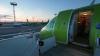 У российского самолета в полете загорелся двигатель (ВИДЕО)