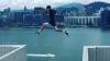 Британец совершил прыжок без страховки между небоскрёбами в Гонконге (ВИДЕО)