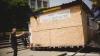 """Палатки партии """"DA"""" по-прежнему мешают ремонту на центральной площади Кишинева"""