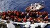 Беженка родила в Средиземном море сразу после спасения с затонувшего судна