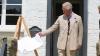 Принц Чарльз попал в неловкую ситуацию на открытии памятной доски в Глостершире