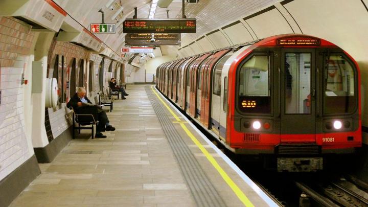 В Лондоне эвакуировали пассажиров на станции метро