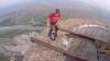 Двое румынских граждан пробежались по крыше башни, высотой в 250 метров