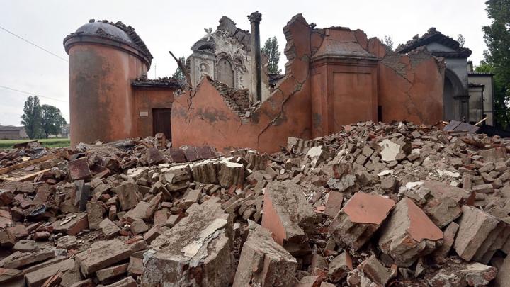 Число жертв землетрясения в Италии достигло 278