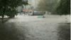 На одесских стоянках утонули машины (ФОТО/ВИДЕО)