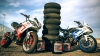 Triumph сняла на видео два дрифтующих мотоцикла