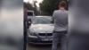 В Кишиневе мужчина припарковался посреди дороги и нагрубил другим водителям (ВИДЕО)