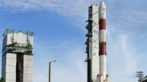 Индия вывела в космос восемь спутников