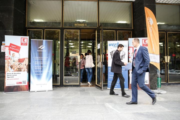 В столице открылась десятая Ярмарка вакансий (ФОТОРЕПОРТАЖ)