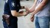 Восемь патрульных инспекторов, обвиняемых в коррупции, поместили под стражу