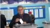 Михай Гимпу среди первых проголосовавших