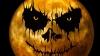 Миллионы людей во всем мире этой ночью празднуют Хэллоуин