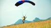 Трое парашютистов-экстремалов устроили шоу на Мадагаскаре