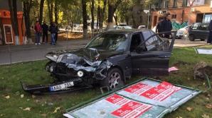 Две машины на скорости столкнулись на Рышкановке