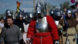 В столице прошел первый турнир по историческому средневековому бою
