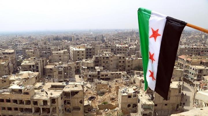 Боевики и мирные жители начали покидать Алеппо