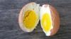 Проститутка избила клиента, оплатившего ее услуги вареным яйцом